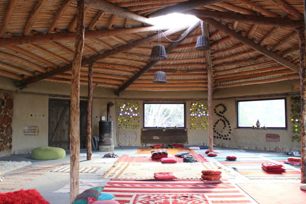 Viaggio 5 minuti per l 39 ambiente for Arredamento stanza yoga